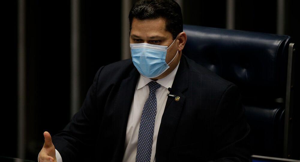 Senador Davi Alcolumbre (DEM-AP) durante sessão plenária do Senado Federal, em Brasília