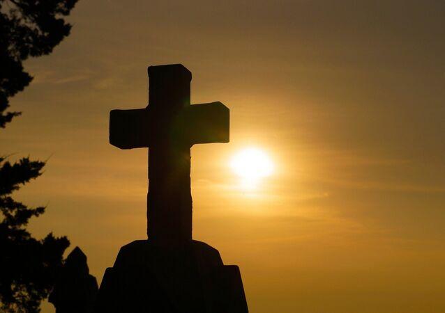 Cruz em pedra (imagem referencial)