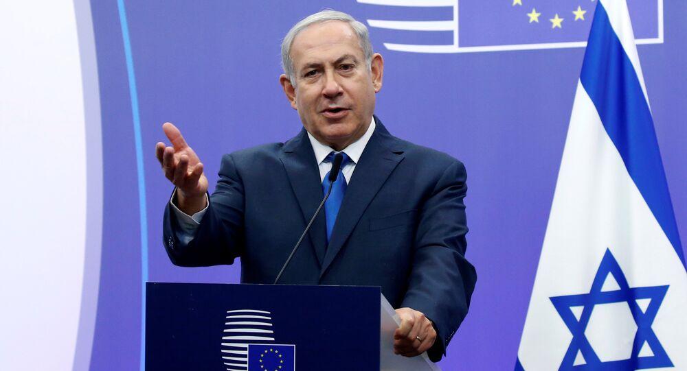 Primeiro-ministro de Israel, Benjamin Netanyahu, durante a coletiva de imprensa em Bruxelas no âmbito de sua visita a países da União Europeia, 11 de dezembro de 2017
