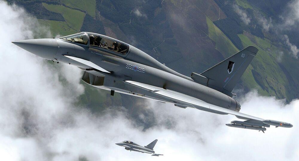 Caças Eurofighter Typhoon da Força Aérea britânica