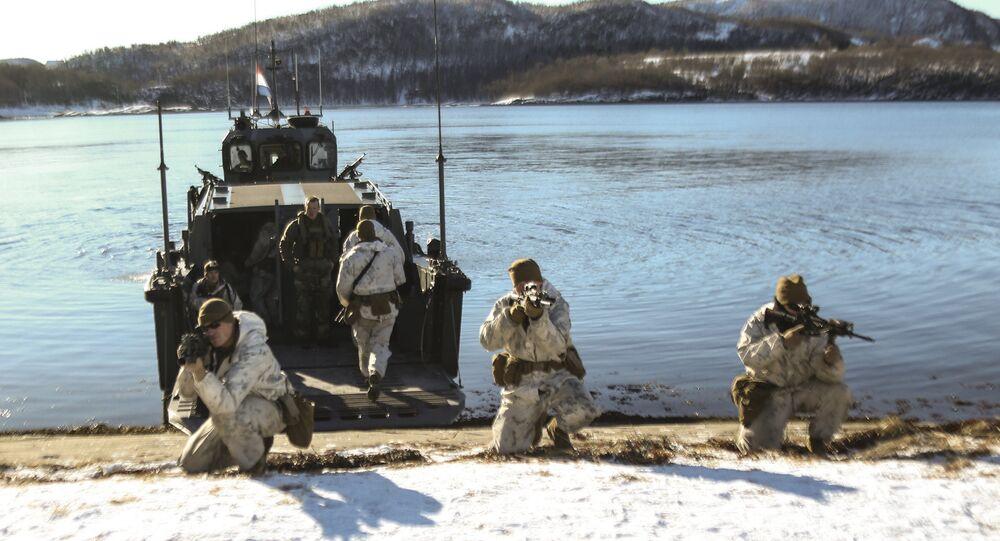 Fuzileiros navais de vários países participam de exercícios militares na Noruega