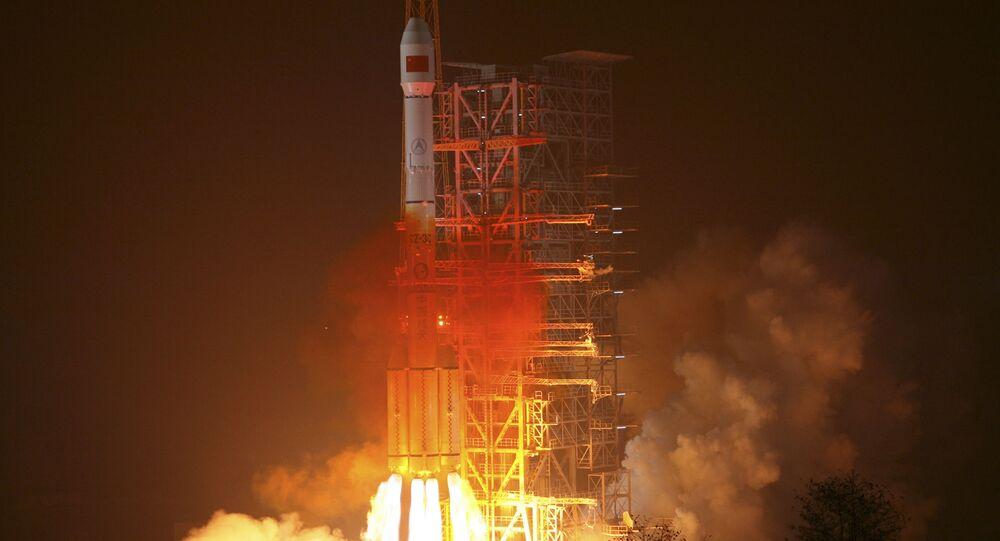 Lançamento do foguete Long March-3III com satélite chinês Beidou (foto de arquivo)