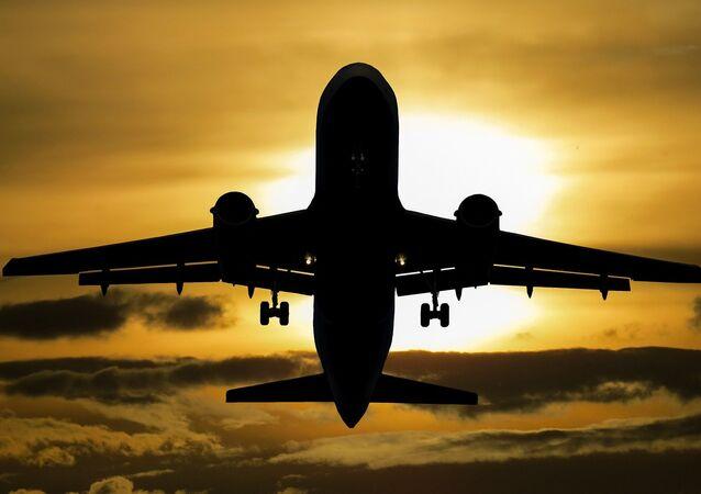 Avião se prepara para aterrissagem (imagem ilustrativa)