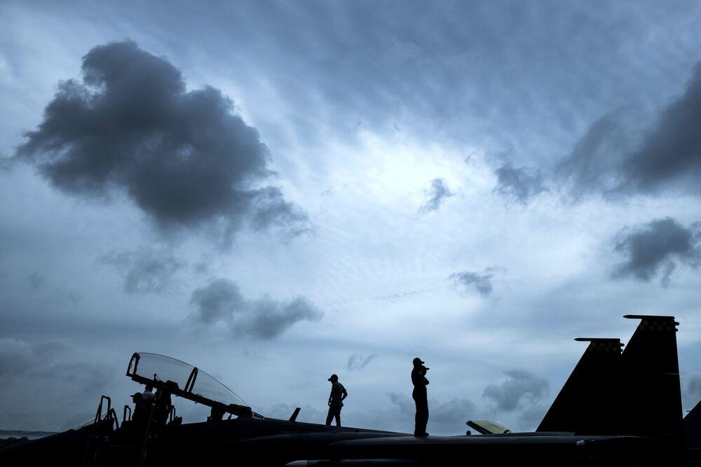 Caças F-15SG no show aéreo de Singapura