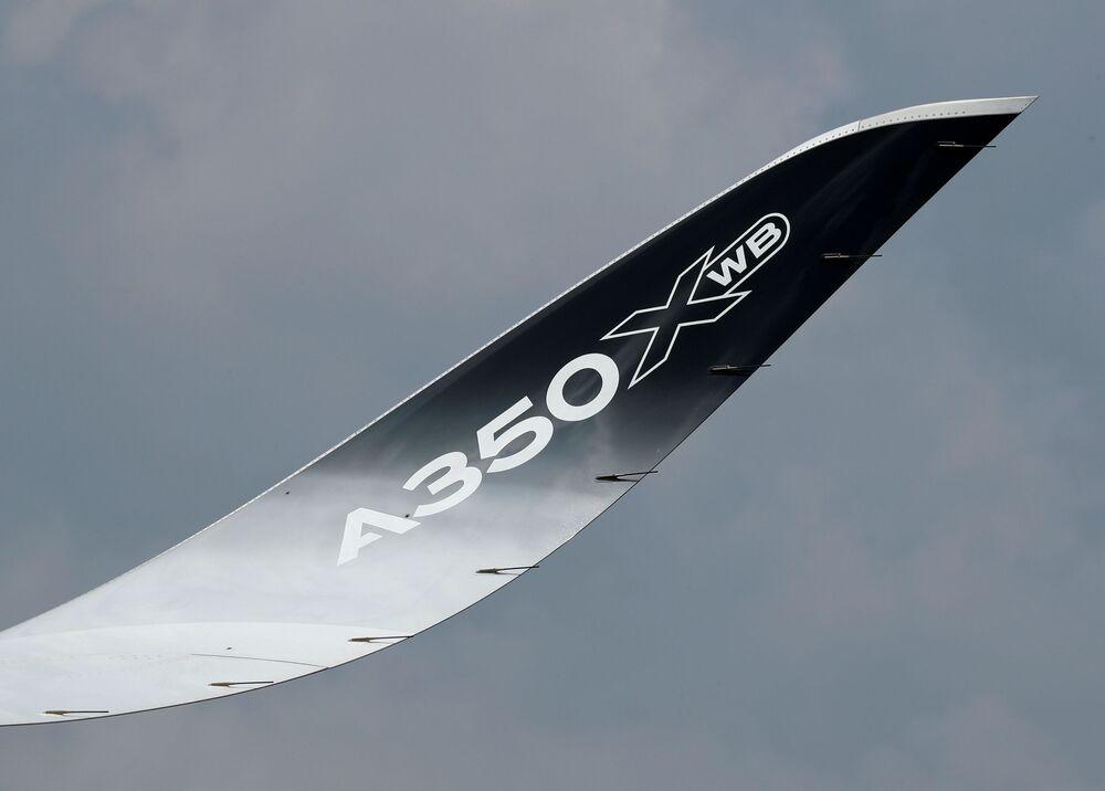 Avião Airbus A350-1000 no show aéreo de Singapura