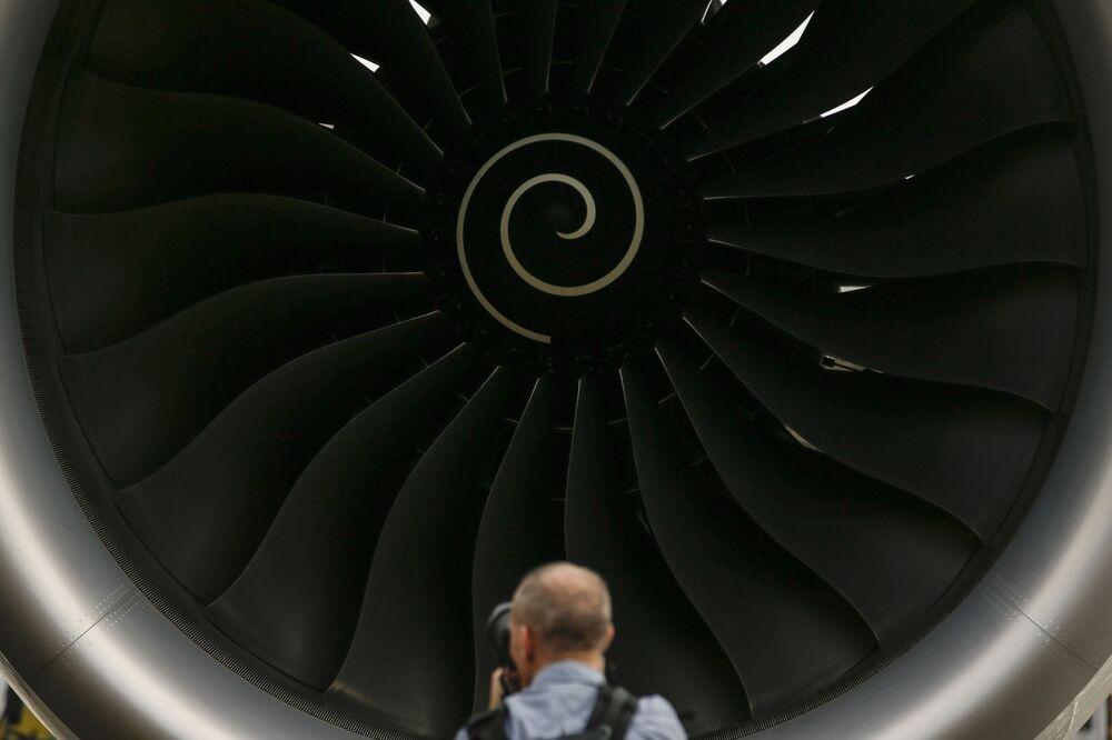Motores de produção Rolls-Royce no show aéreo de Singapura