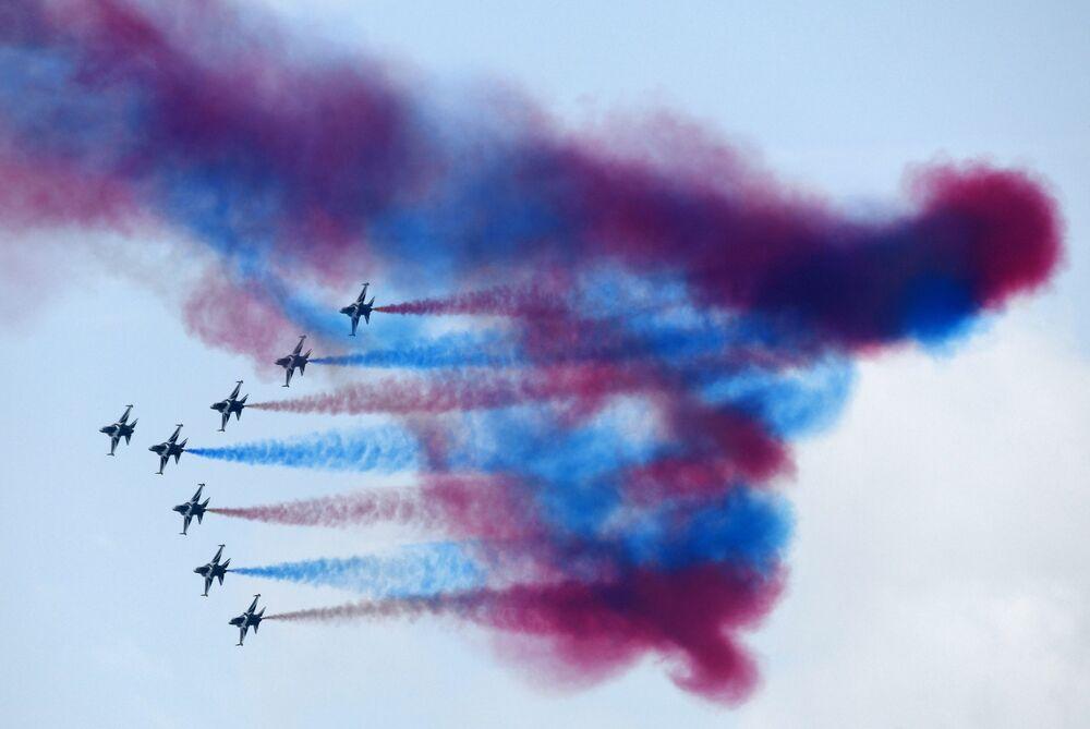 Aviões da Força Aérea da Coreia do Sul durante o show aéreo de Singapura