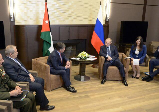 Encontro do presidente russo, Vladimir Putin, com o rei da Jordânia, Abdullah II (arquivo)