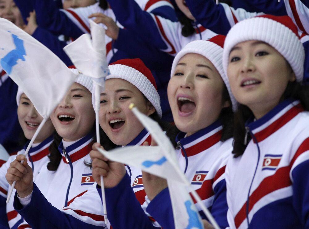 Torcedoras da Coreia do Norte nos Jogos Olímpicos de Inverno em Pyeongchang