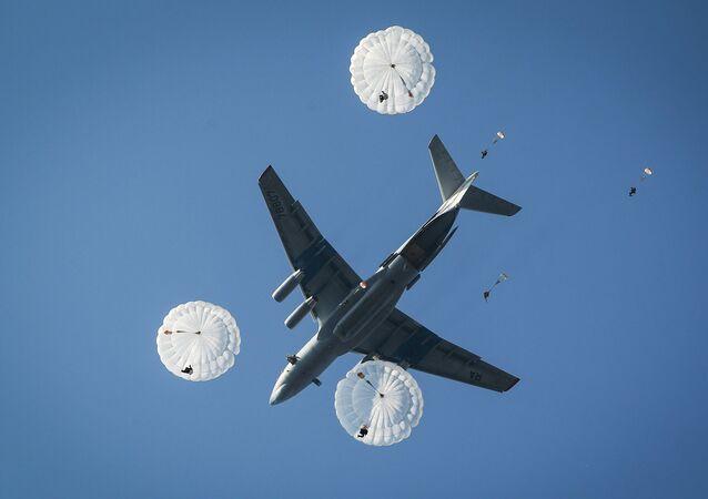 Avião russo Il-76MD