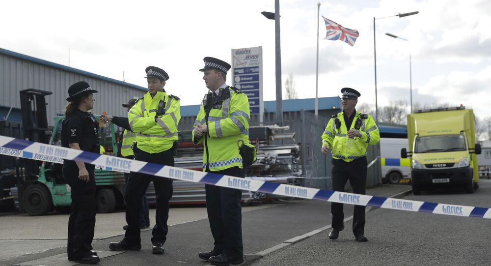 Policiais investigando o caso do ex-espião russo Sergei Skripal, em Salisbury (Inglaterra), 13 de março de 2018