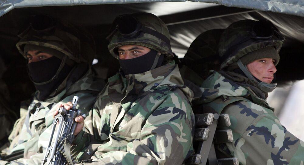 Militares turcos na fronteira entre a Turquia e Iraque