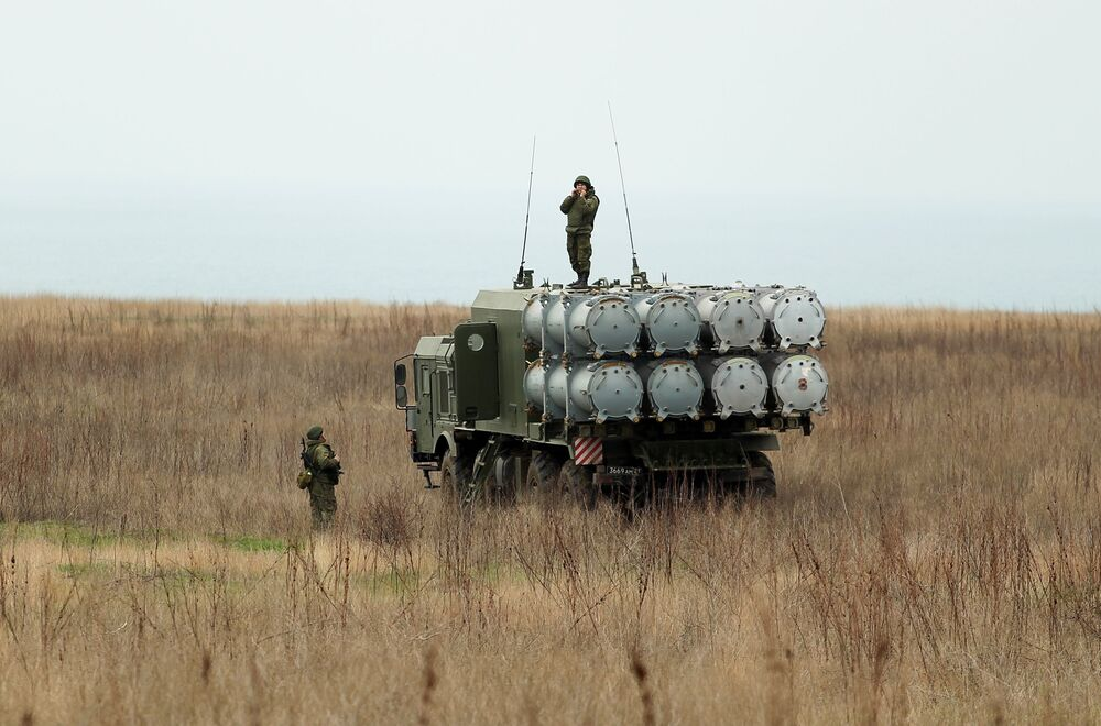 Sistema de mísseis costeiros Bal participa dos treinamentos das tripulações das Tropas de Mísseis e Artilharia russas no polígono Zhelezny Rog, na região de Krasnodar