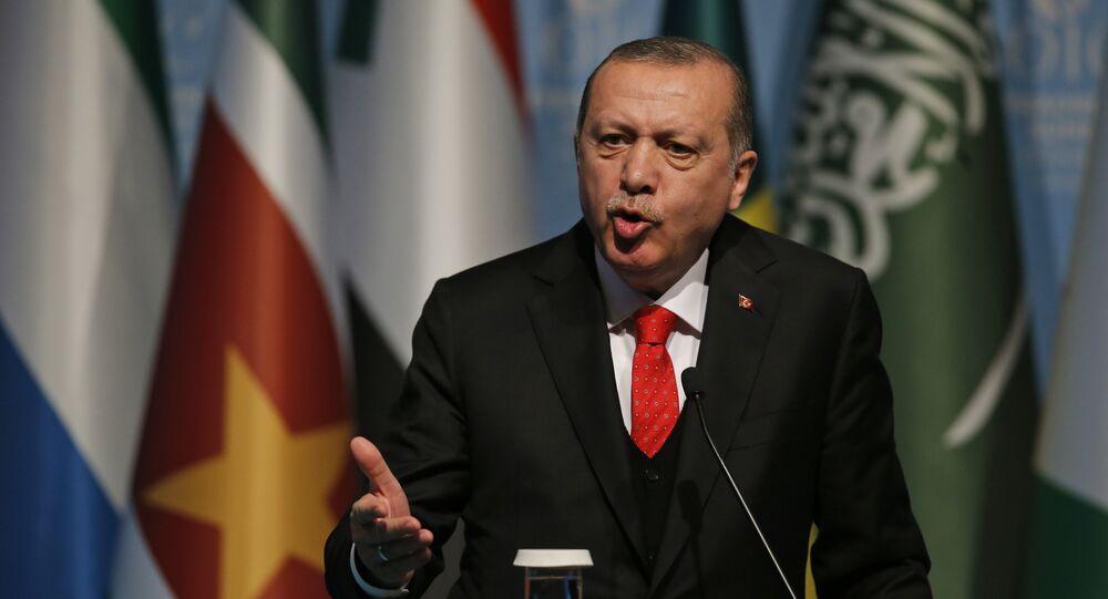 O presidente da Turquia, Recep Tayyip Erdogan, durante coletiva de imprensa após reunião da Organização de Cooperação Islâmica, em Instambul, em dezembro de 2017.
