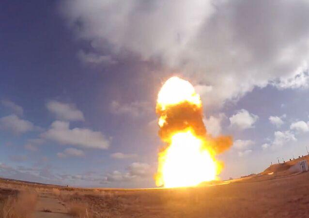 Teste do novo míssil russo no polígono de Sary-Shagan, no Cazaquistão (imagem ilustrativa)