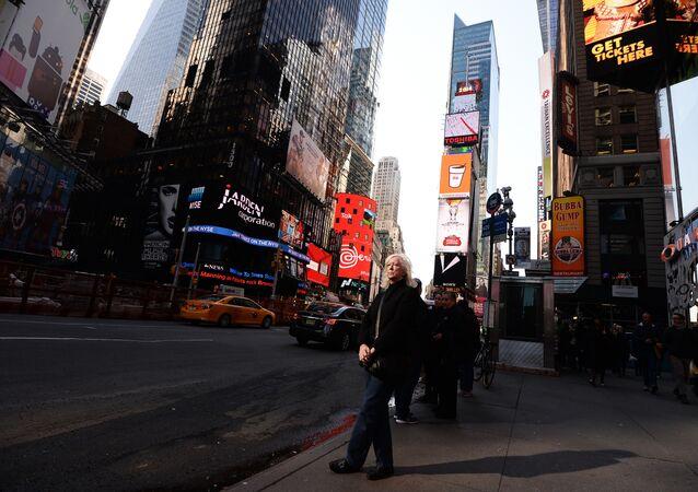 Painéis eletrônicos de publicidade, Nova York, EUA, 3 de novembro de 2014