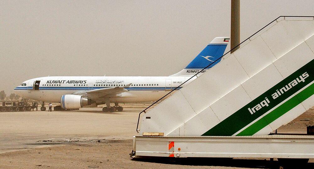 Avião da Kuwait Airways no aeroporto de Bagdá, em 2003