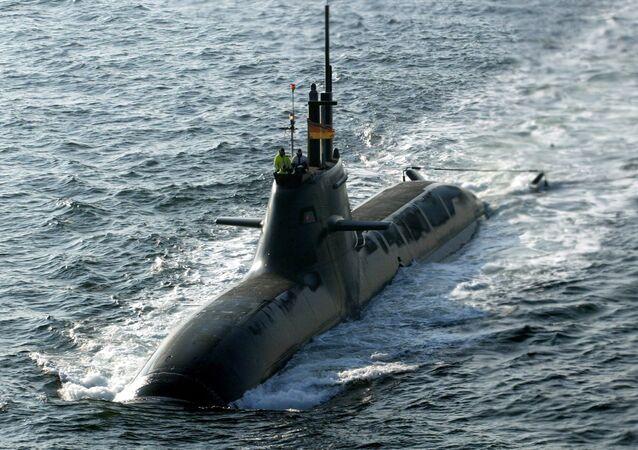 Submarino U31 da Marinha Alemã no mar Báltico, 7 de fevereiro de 2005