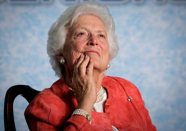 Ex-primeira-dama dos EUA Barbara Bush durante um evento em Orlando, na Flórida, em 2005