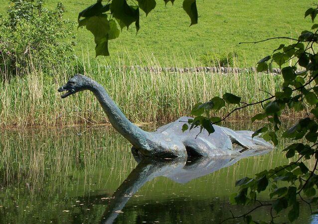 Escultura do monstro do lago Ness na Escócia (foto de arquivo)