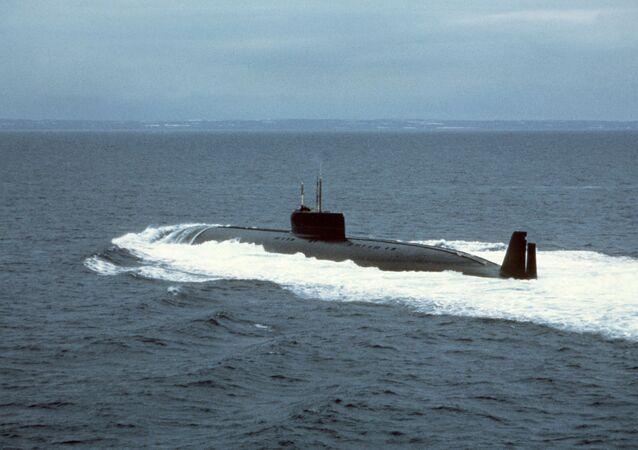 Submarino nuclear K-162 (também conhecido como K-222) durante testes