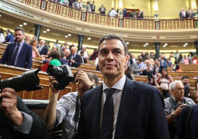 Líder do Partido Socialista (PSOE), Pedro Sanchez é o novo primeiro-ministro da Espanha