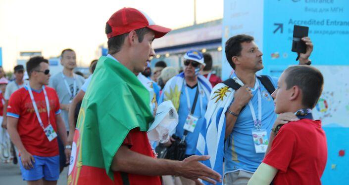 Torcedores russos da Seleção Portuguesa antes do jogo Portugal-Uruguai, em Sochi, em 30 de junho de 2018