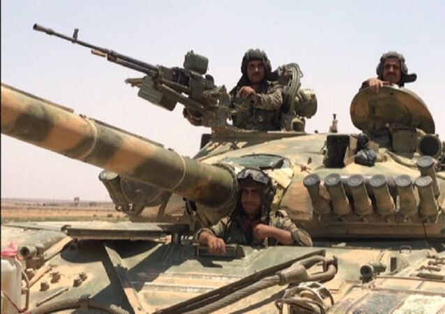 O exército sírio na província de Daraa, na fronteira com a Jordânia