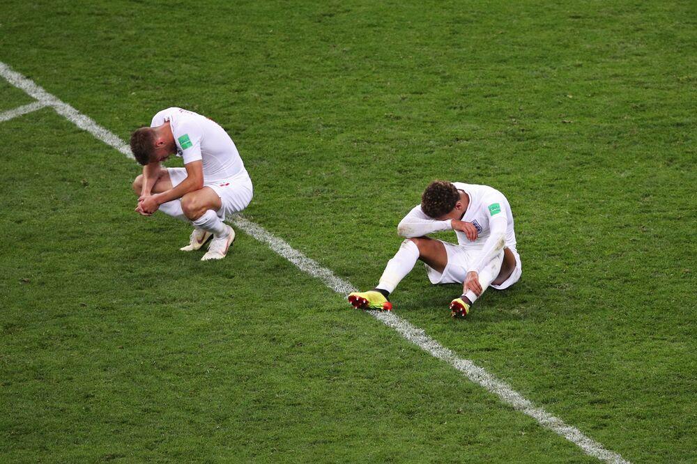 Jogadores do time inglês após a partida das semifinais contra a Croácia, onde foram derrotados