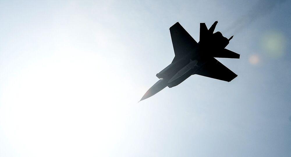 Caça MiG-31 com mísseis hipersônicos Kinzhal