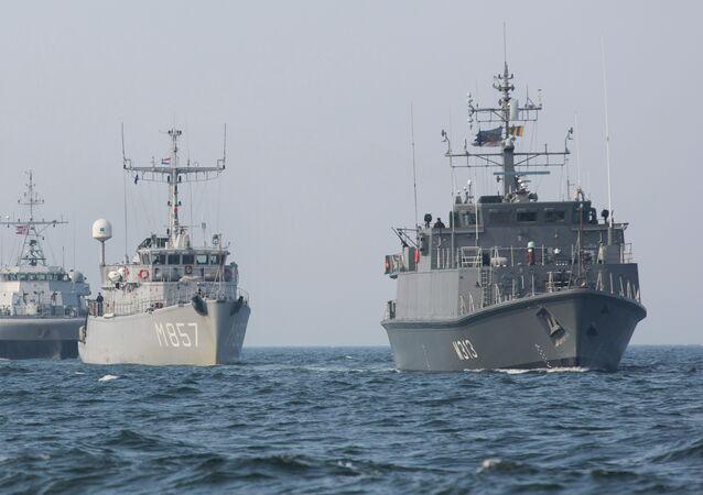 Navios da Noruega, Bélgica, Holanda e Estônia em destacamento da OTAN no Báltico