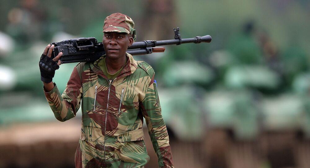 Militar nigeriano durante um treinamento (arquivo)