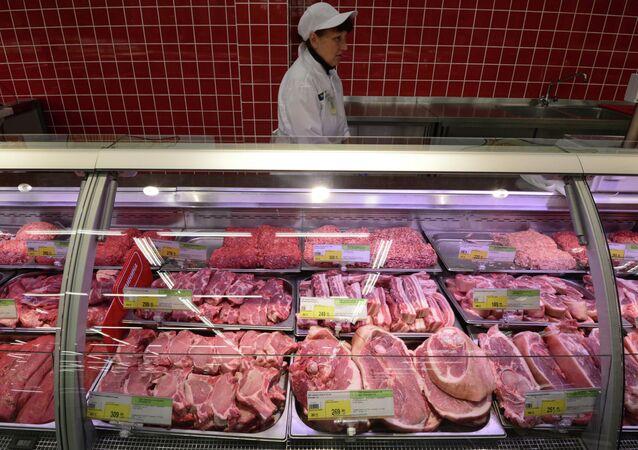 Carne vendida em um supermercado de Novossibirsk, na Rússia (foto de arquivo)