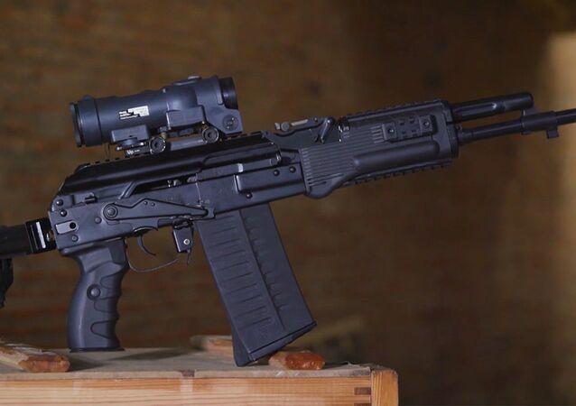 Fuzil de assalto AK-308 apresentado pelo consórcio russo