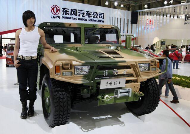 Veículo Dongfeng em exposição na China.
