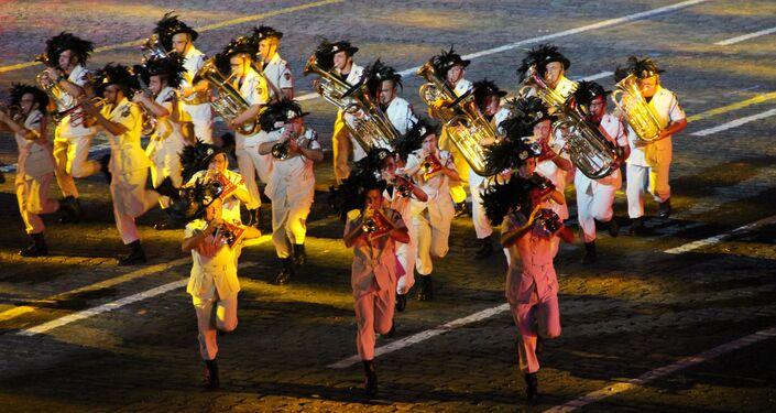 Orquestra de Bersaglieri da Itália participa da abertura do festival Spasskaya Bashnya na Praça Vermelha, em 24 de agosto de 2018