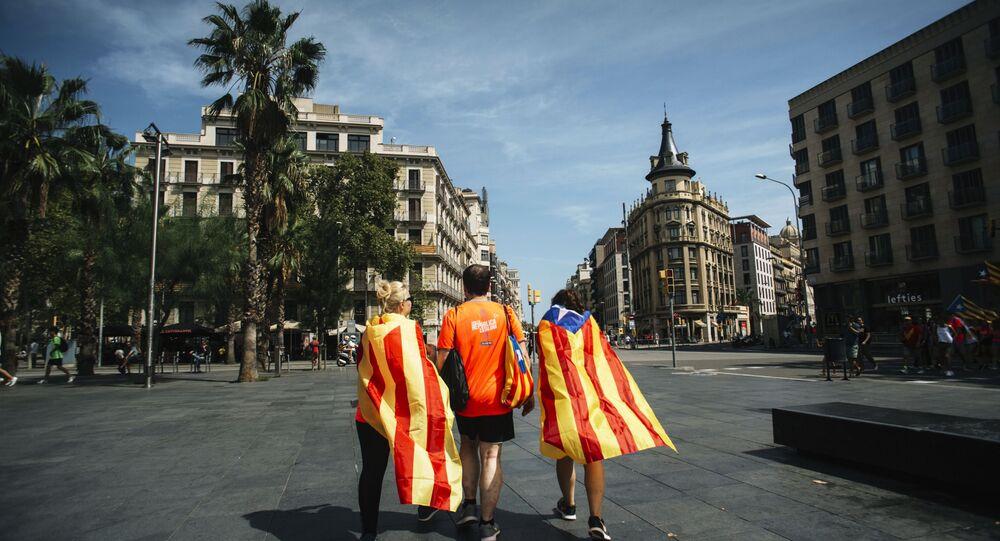 Participantes de ato em apoio à independência da Catalunha em Barcelona (arquivo)