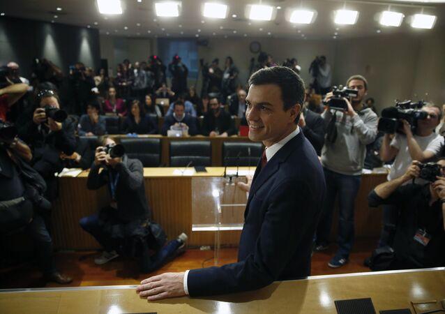 O líder do Partido Socialista da Espanha (PSOE), Pedro Sanchez, durante coletiva de imprensa no Parlamento em Madri, na Espanha.