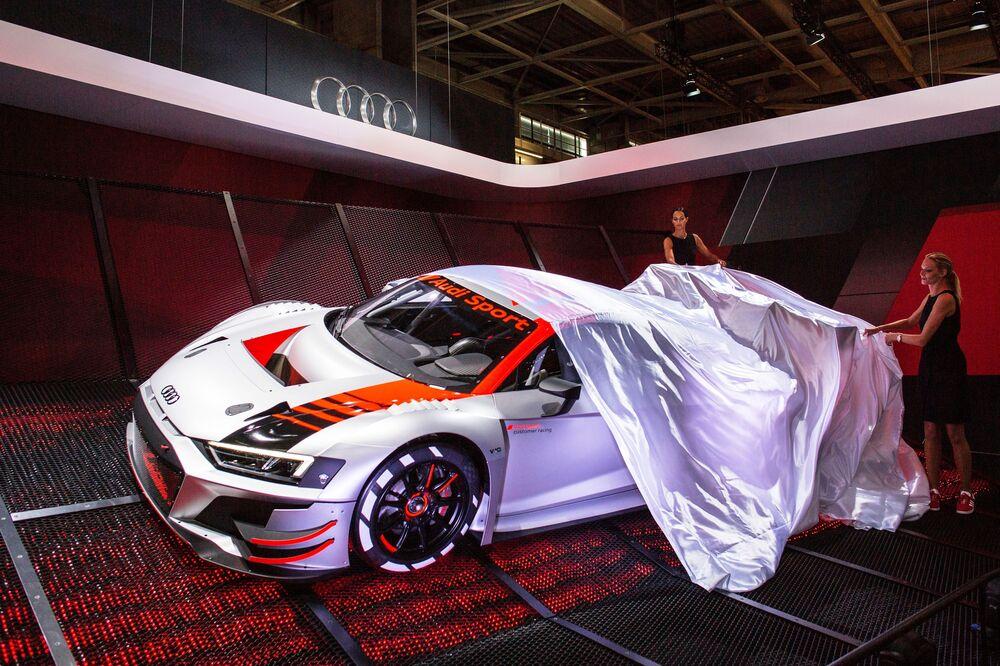 Apresentação do novo modelo do carro Audi Sport durante o Salão do Automóvel de Paris (Mondial de l'Automobile)