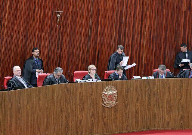 Sessão plenária jurisdicional do TSE (outubro de 2018)