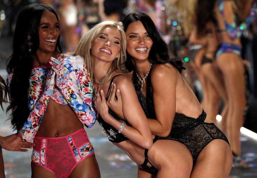 Anjinhas da Victoria's Secret durante evento anual da marca, em 8 de novembro de 2018, em Nova York