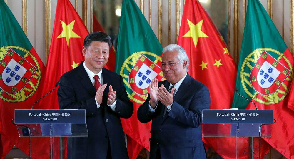 Líder chinês Xi Jinping e premiê português António Costa durante encontro no Palácio de Queluz, Portugal, 5 de dezembro de 2018