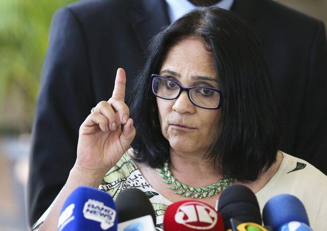 Ex-assessora de Magno Malta, pastora Damares Alves assume Ministério de Mulheres e Direitos Humanos