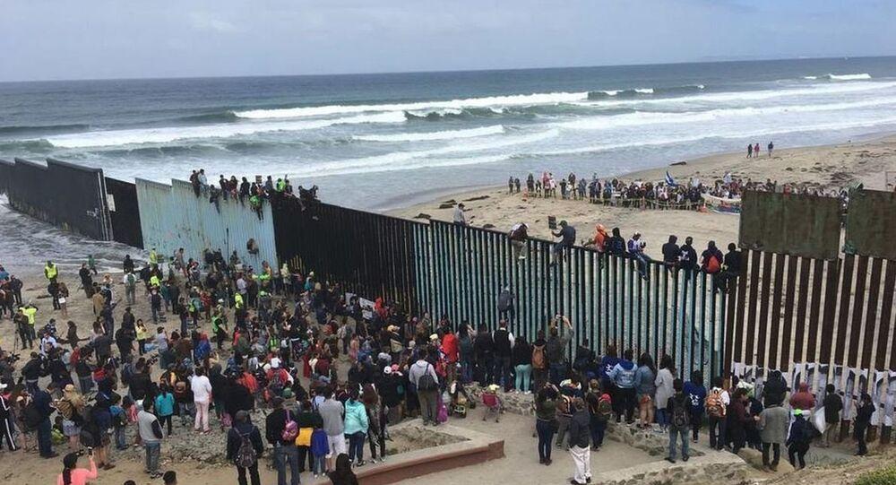 Muro na fronteira entre EUA e México