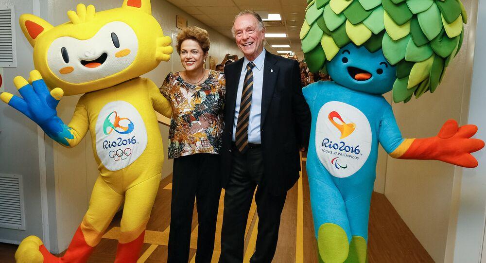 Presidenta Dilma Rousseff e o presidente do Comitê Olímpico Brasileiro, Carlos Arthur Nuzman, durante encontro com os mascotes das Olimpíadas do Rio de Janeiro