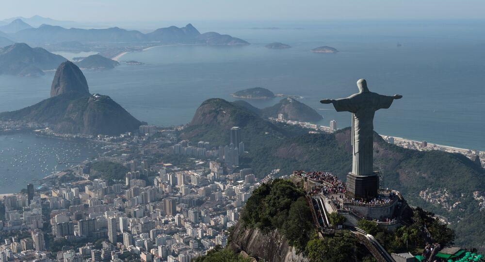 Atualmente, no Brasil, a atividade turística representa, de acordo com o Ministério do Turismo, 9,6% do Produto Interno Bruto (PIB)