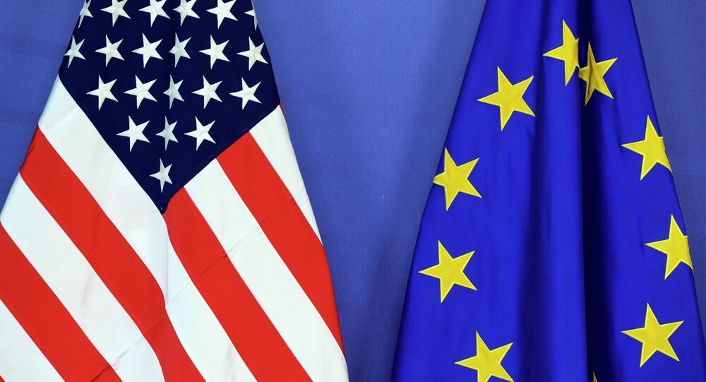 As bandeiras dos EUA e da UE