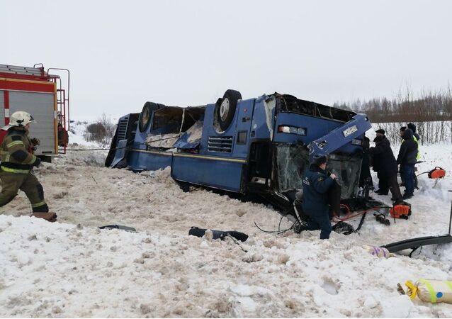 Ônibus acidentado na região de Kaluga, Rússia, 3 de fevereiro de 2019 (imagem referencial)