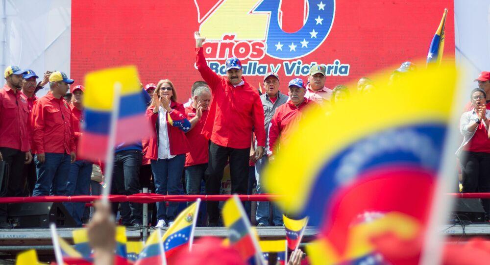 Presidente da Venezuela, Nicolás Maduro, fala durante uma manifestação em Caracas