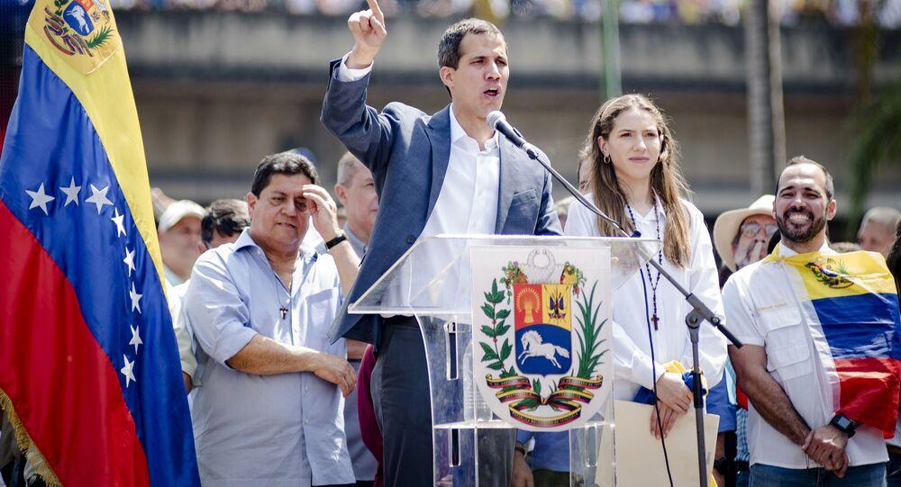 Juan Guaidó, líder da oposição e autoproclamado presidente interino da Venezuela, durante discurso em Caracas (arquivo)